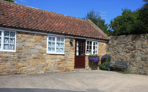 Enjoy the 'Traditional Cottage' holiday. Ideal for walking and touring.